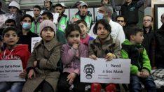 Kimyasal saldırılara bir protesto da Halep'ten geldi
