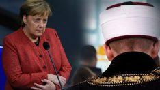 Merkel'den 'Diyanet İşleri Türk İslam Birliği' açıklaması