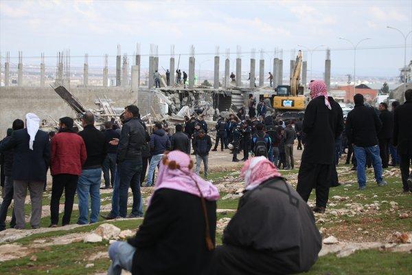 Hazine arazisine yapılan kaçak evler yıkıldı