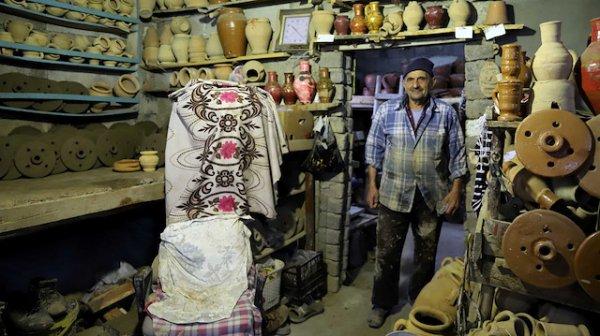 Mardin'de 71 yıldır killi topraktan malzeme yapıyor