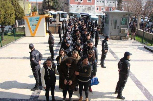 Telefon dolandırıcılarına şok operasyon: 40 tutuklama