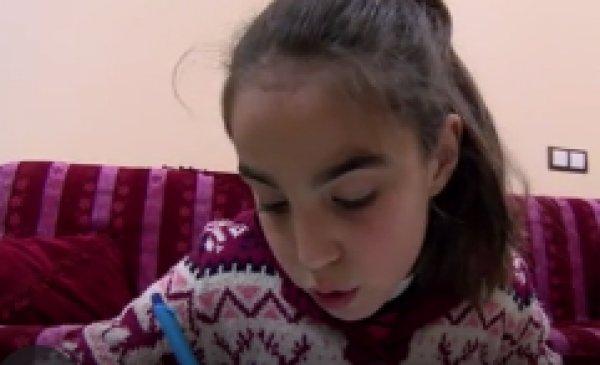 9 yaşındaki Beyza'nın duymak için paraya ihtiyacı var