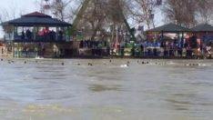 Irak'ta feribot battı: 40 ölü