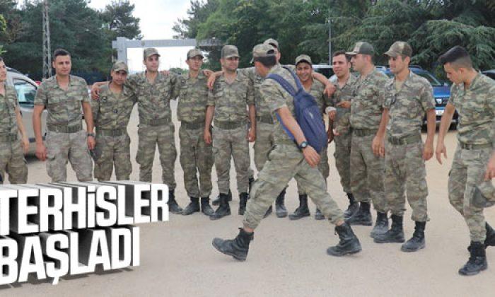 Askerler terhis için geri sayıma geçti