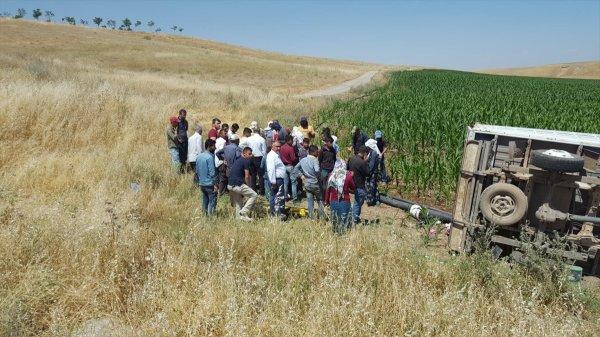 Diyarbakır'da tarım işçilerini taşıyan pikap devrildi