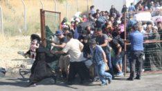 Suriyeliler sınırdan geçip, tatil için ülkelerine gidiyor
