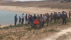 Baraj gölüne giren çocuklarını kurtaran iki anne boğuldu