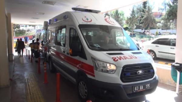 Suriyelileri taşıyan minibüs kaza yaptı: 13 yaralı