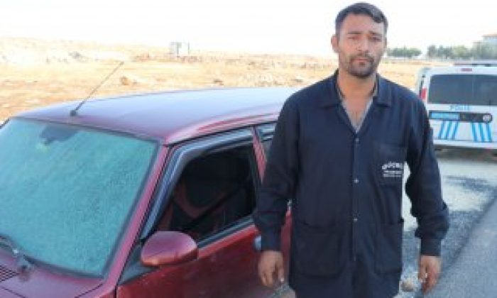 Gaziantep'te otomobili taşladılar