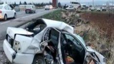 Şanlıurfa'da otomobil, yolcu minibüs ile çarpıştı